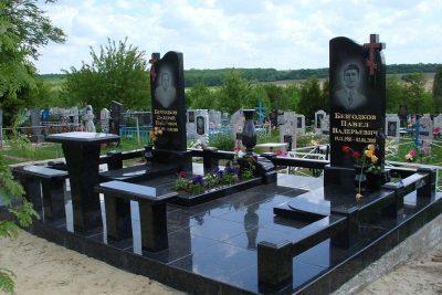 Памятники из гранита в Щиграх и Тиме